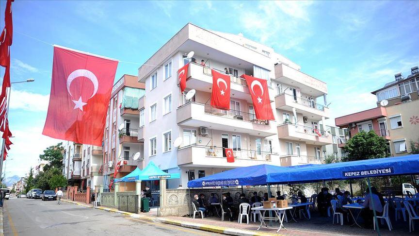 Siirt'te şehit olan astsubay Özcan'ın acı haberi Antalya'daki ailesine verildi