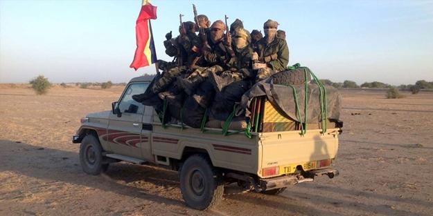 Silahlarıyla başkente ilerliyorlar! Afrika ülkesinde korkutan gelişme