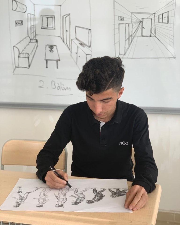 Silopili öğrenci, resim yarışmasında Türkiye birincisi oldu