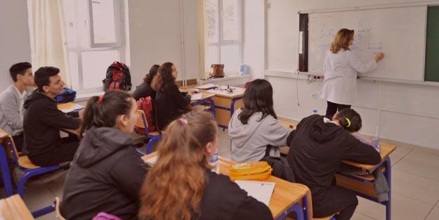 Sınavla öğrenci alan liseler hangileri? Sınavsız alan liselere nasıl girilecek 2020?
