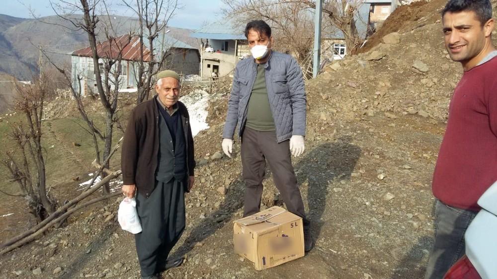 Sincik ilçesinde yaşlıların ihtiyaçları tek tek karşılanıyor