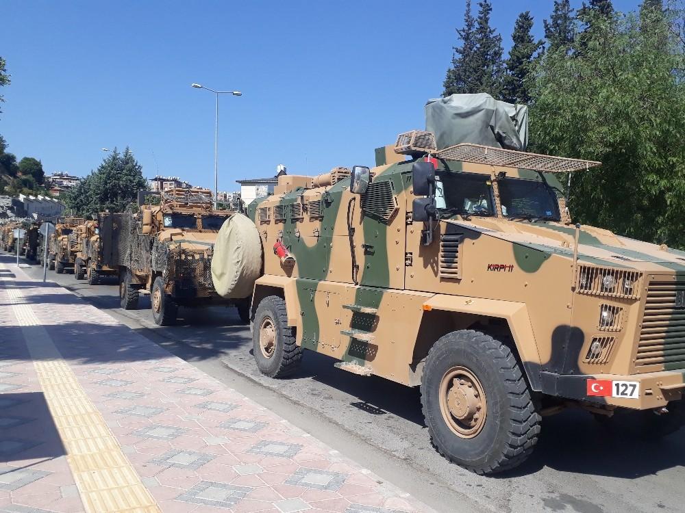 Sınıra zırhlı araç ve komando takviyesi