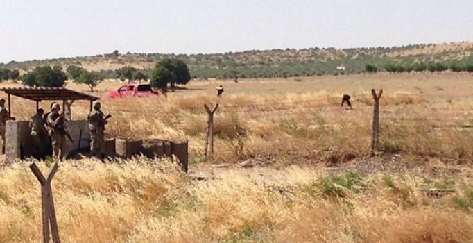 Sınırdan geçmeye çalışan 2 kişi vuruldu