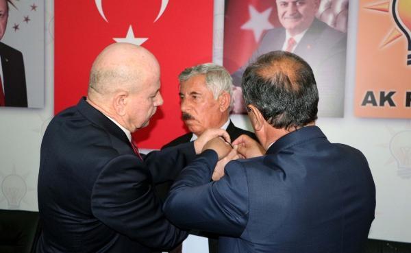 Şırnak Uzungeçit Belediye Başkanı AK Parti'ye geçti