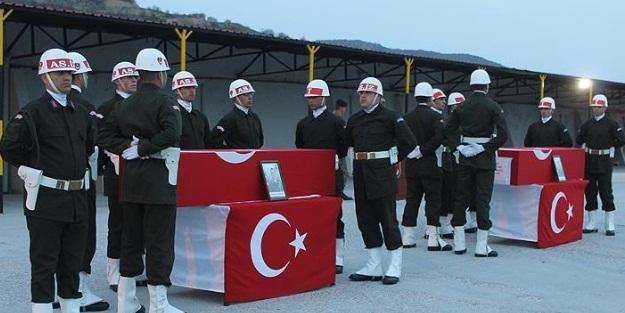 Şırnak'ta şehitlerimiz için tören
