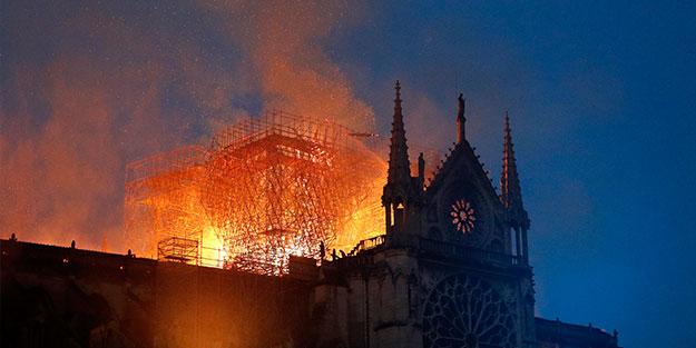 Sırp basınından bir garip Notre Dame haberi: Kosova yüzünden Tanrı cezalandırdı