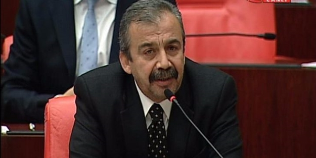 Sırrı Süreyya Önder'den pişkin cevap! Terörist cenazelerine...
