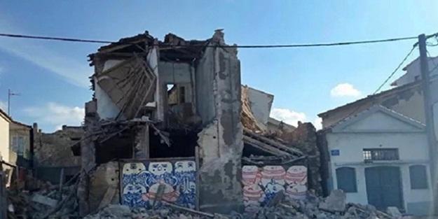 Sisam Adası'nda yıkılan duvar altında kalan iki öğrenci hayatını kaybetti