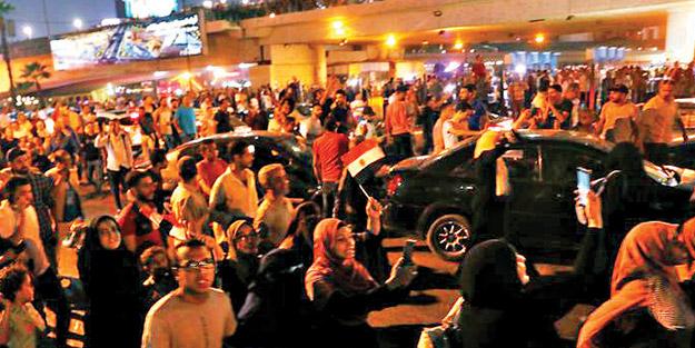 'Sisi defol' protestoları sürüyor! Firavun halka yine kurşun sıkıyor