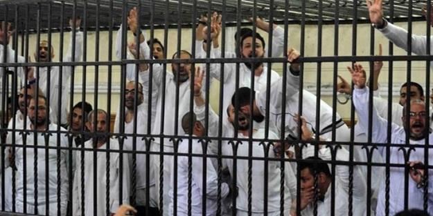Sisi zulmü devam ediyor! Mısır'da İhvan liderlerine müebbet