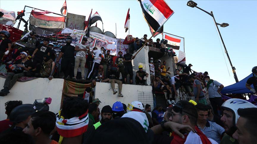 Sistani'nin hükümete çağrısı sonrası Bağdatlılar Tahrir Meydanı'na toplandı