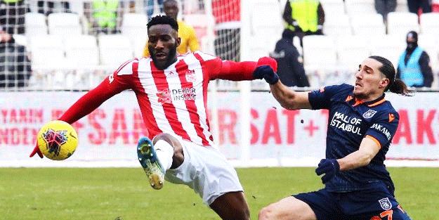 Sivasspor, Başakşehir maçı için İstanbul'a geldi