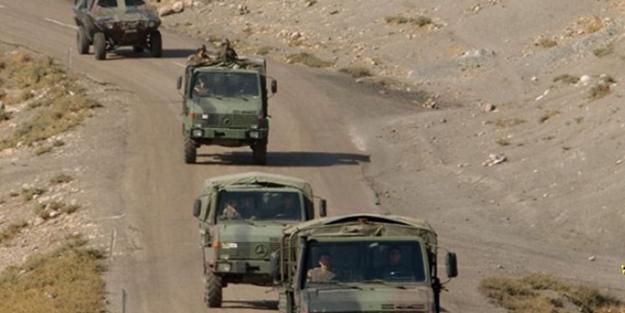 Sivas'ta askeri araç devrildi: Yaralı askerler var