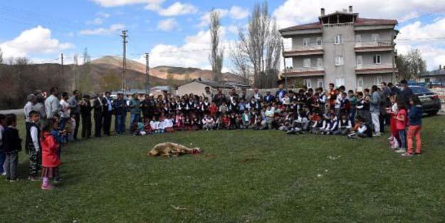 Sivas'ta ilk okul öğrencili yağmur duası!