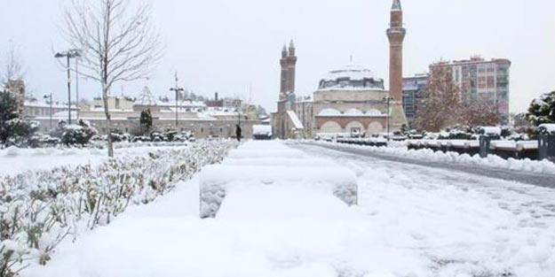 Sivas'ta yarın okullar tatil mi? 5 Aralık Sivas'ta kar tatili var mı?