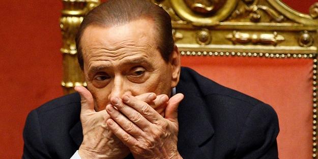 Siyasi yasağı yeni kalkmıştı: Berlusconi'ye ikinci şok!