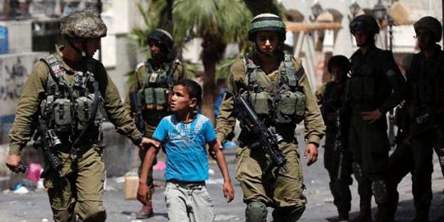 Siyonist Polisi 8 yaşında 2 çocuğu gözaltına aldı!