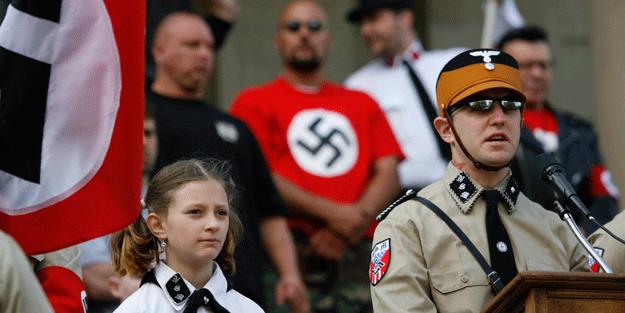 Siyonist rejimin Nazi aşkı bitmiyor!