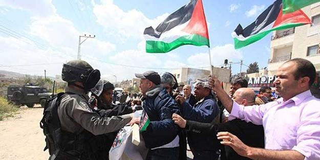 Siyonistler Filistinlilere saldırdı: 4 yaralı