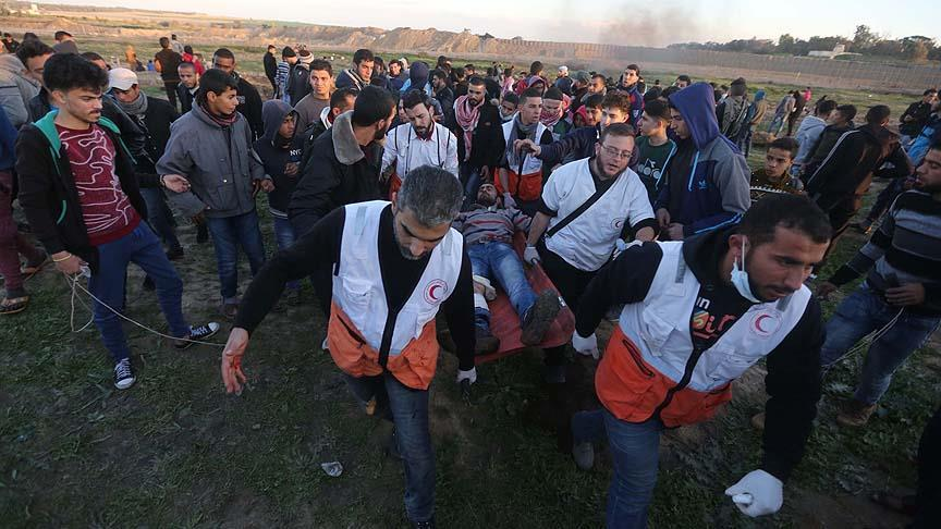 Siyonistler yine saldırdı! 30 Filistinli yaralandı
