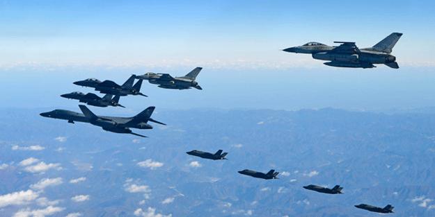Şok fotoğraf! Yüzlerce jete ünlü bombardıman uçağı da katıldı… Dünya diken üstünde