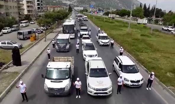 Söke'de öğrenci ve jandarmadan trafik klibi