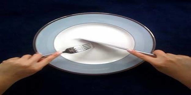 Sol elle yemek yemek haram mıdır?