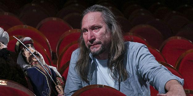 Solcuların baskısıyla emekli olan ünlü tiyatrocu yeniakit.com.tr'ye konuştu: O gidince yalnız kaldım