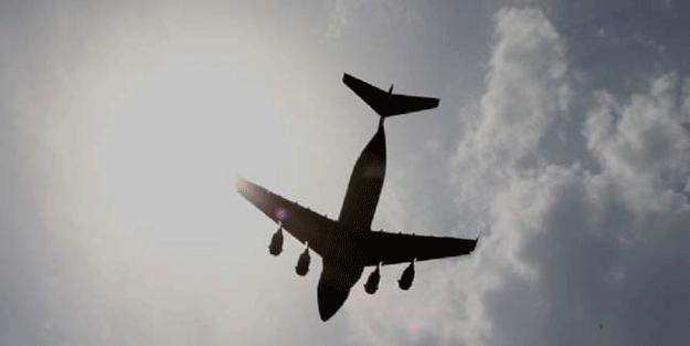 Son dakika: Ülke şokta… Uçak dağa çarptı çok sayıda ölü var