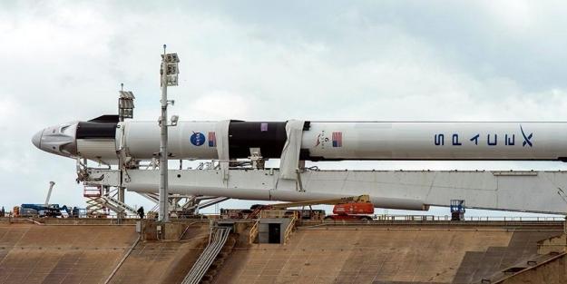 SpaceX nedir? SpaceX'in Crew Dragon kapsülünde kaç kişi var?