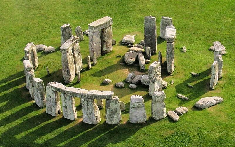 Stonehenge hangi ülkenin hangi şehrinde nerede?