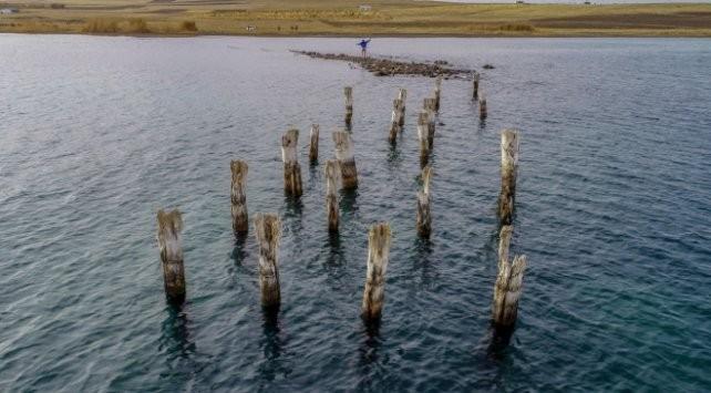 Su çekildi, Van Gölü'nde Osmanlı iskelesi çıktı
