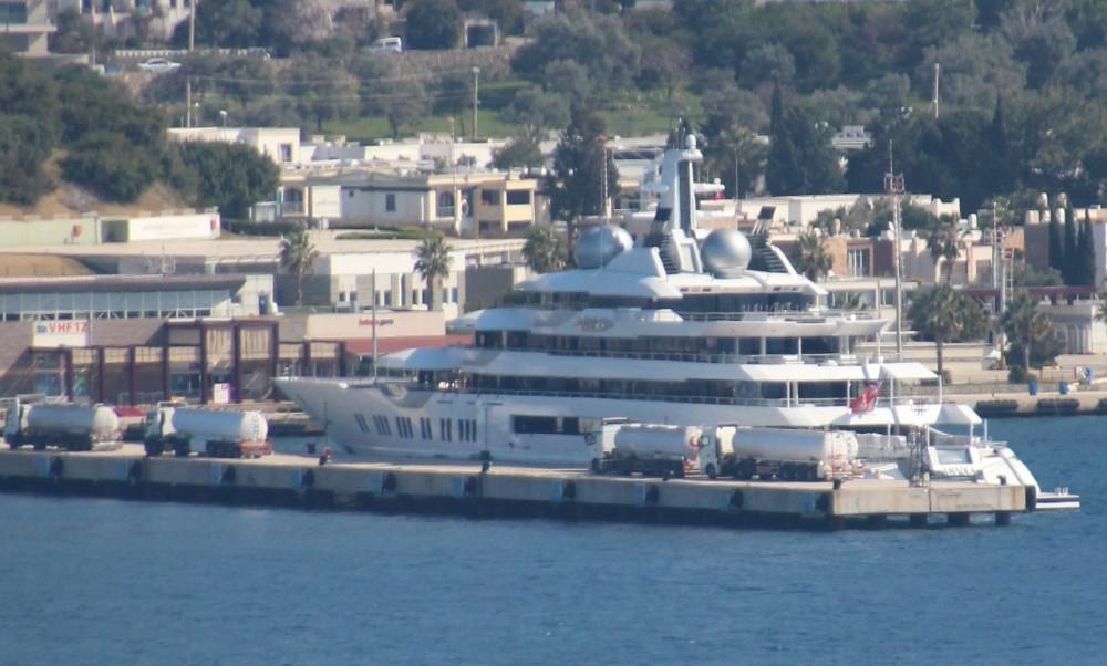 Su üstündeki, zenginler rotayı Türkiye'ye çevirdi