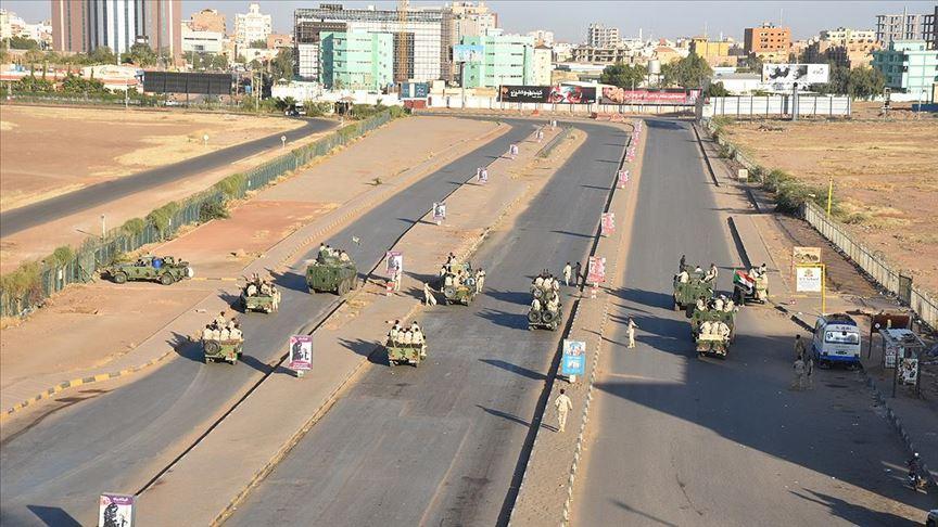 Sudan Başbakanı Hamduk 'asayişi kontrol altına almada orduya güvendiğini' açıkladı