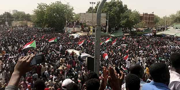 Sudan İslamcı Ümmet Partisi'nden darbe açıklaması!