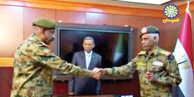 Sudan'da cuntanın yeni lideri Burhan! Darbeci Avf gitti Suud kuklası geldi