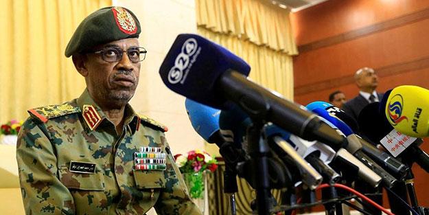 Sudan'da flaş gelişme! Darbeci görevi bıraktı