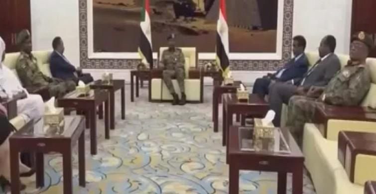 Sudan'da Hamadok Geçiş Dönemi Başbakanı olarak yemini etti