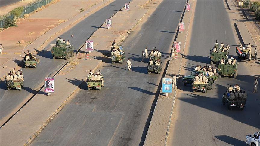 Sudan'da 'isyan' bastırıldı, 43 istihbaratçı gözaltına alındı
