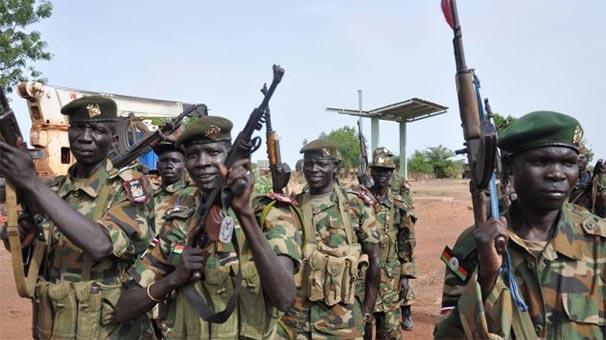 Sudan'da silahlı gruplar arasında çatışma çıktı