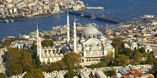 Süleymaniye Camii'nin minaresi neden parlıyor?
