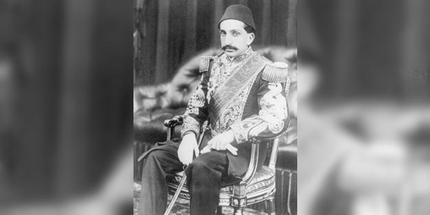 Sultan II. Abdülhamid Han'ın yerine kim padişah oldu?