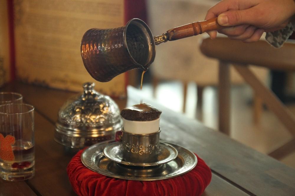 'Sultan Kahvesi' maneviyatıyla gönüllere dokunuyor