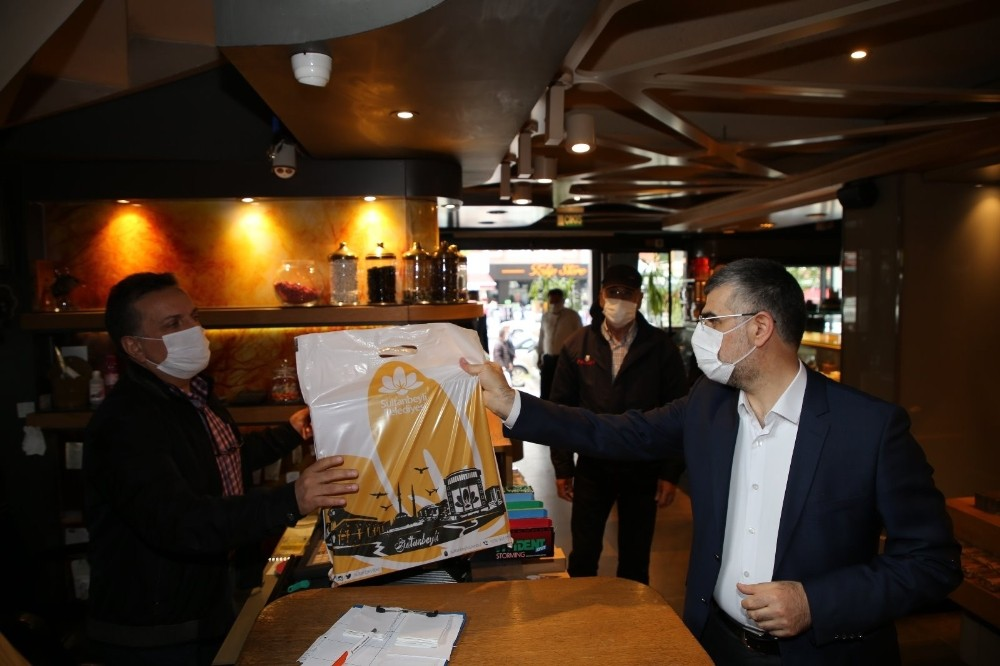 Sultanbeyli'de açılan dükkânlarda siftah, Başkan Keskin'den