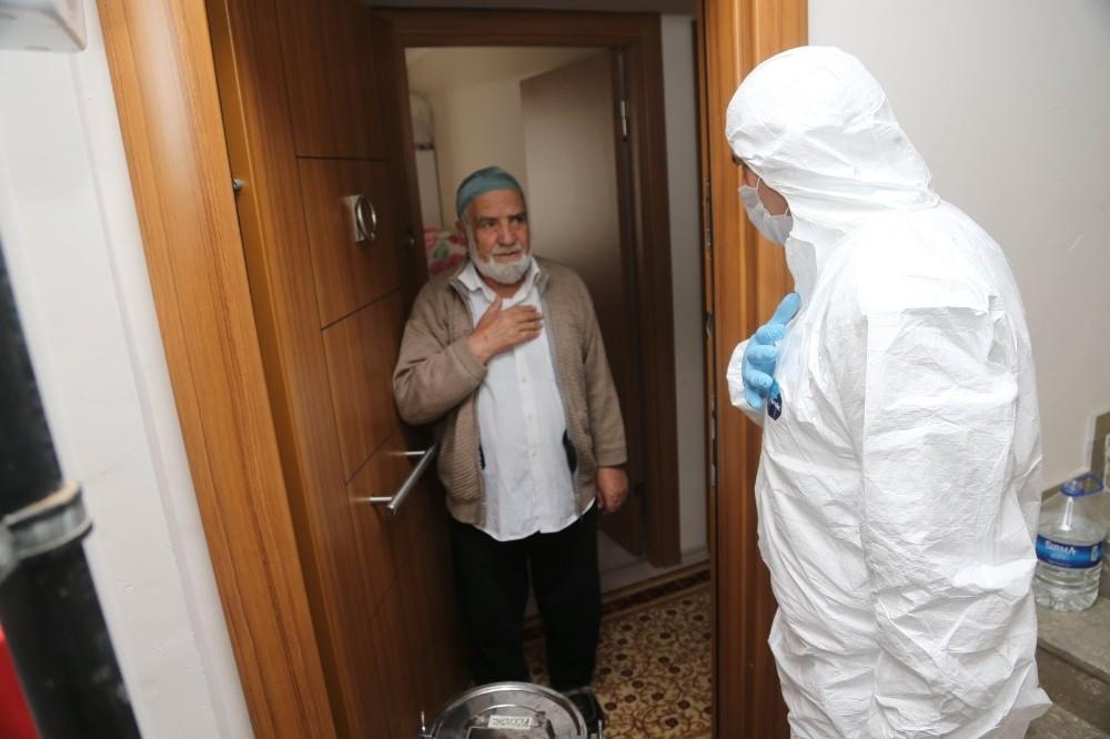 Sultanbeyli'de yaşlılara evde sıcak yemek hizmeti