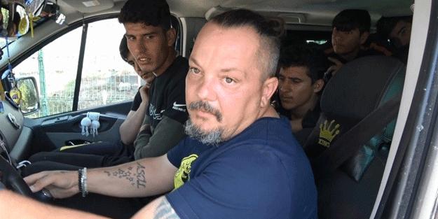 Sultangazi'de durdurulan minibüs şoke etti