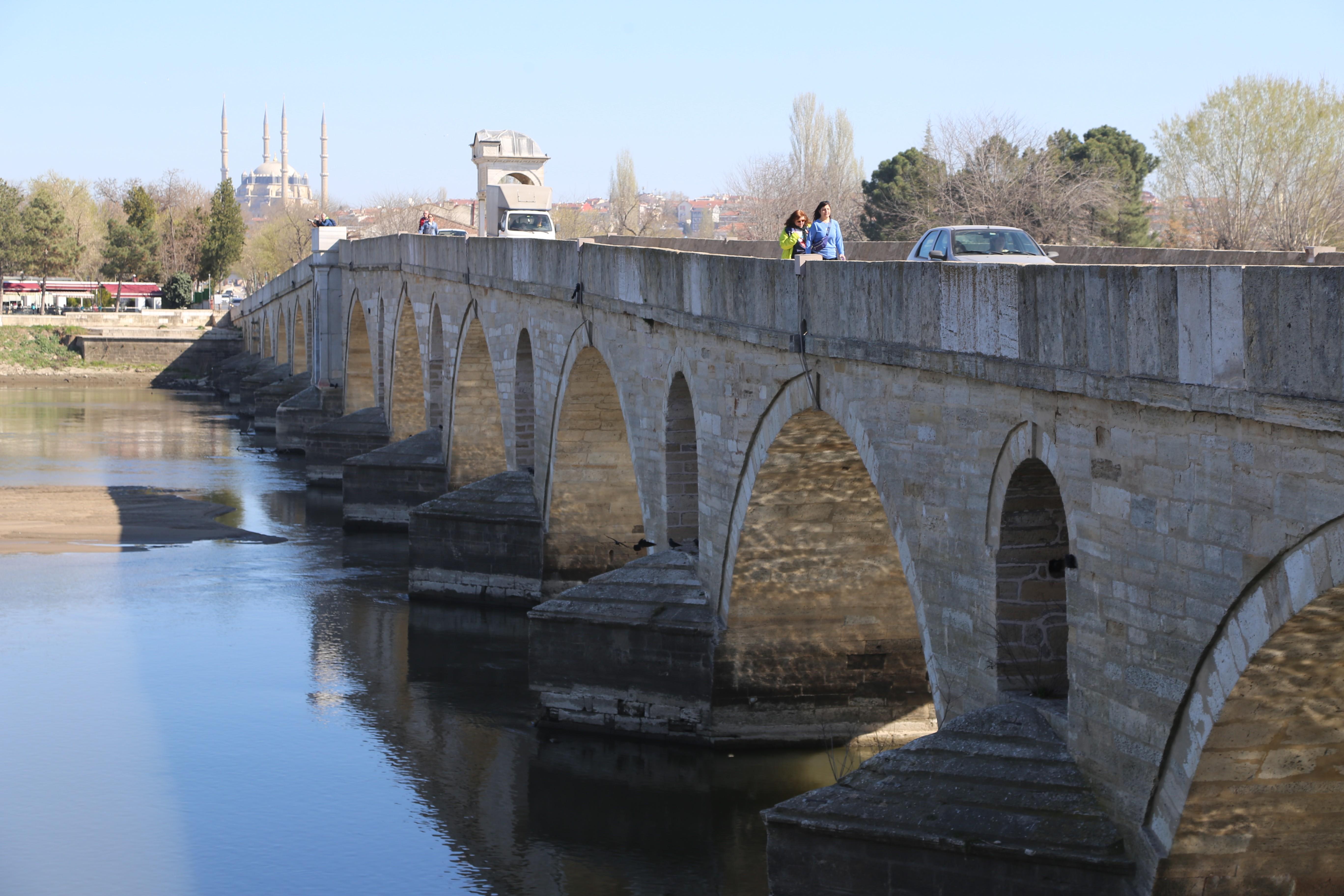 Gözde şehir Edirne turist akınına uğruyor