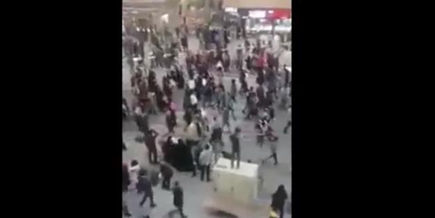 Sunni halk İran'a karşı ayaklandı
