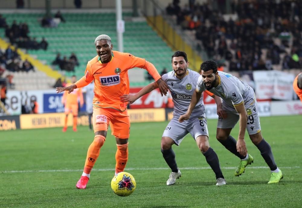 Süper Lig: Alanyaspor: 2 - Yeni Malatyaspor: 1 (Maç sonucu)