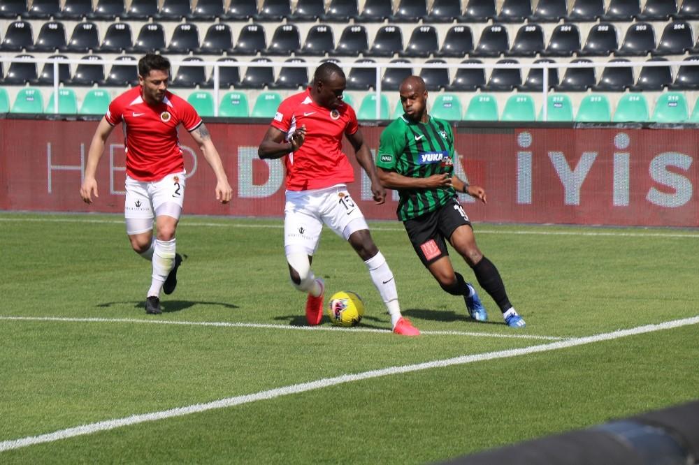Süper Lig: Denizlispor: 0 - Gençlerbirliği: 0 (İlk yarı)